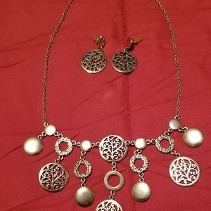 Jewelry - Silver Necklace & Earring Set